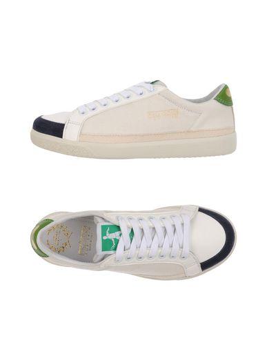 Низкие кеды и кроссовки PANTOFOLA D'ORO 11221100JS