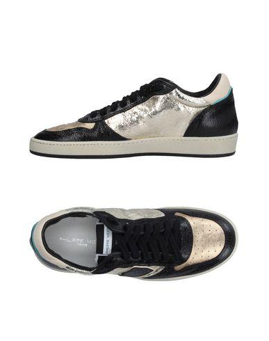 Фото - Низкие кеды и кроссовки от PHILIPPE MODEL черного цвета