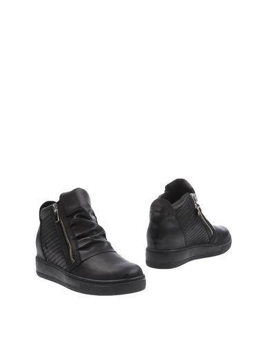 Фото - Полусапоги и высокие ботинки от HYPNOSI черного цвета