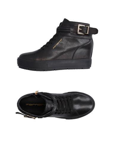 Фото - Высокие кеды и кроссовки черного цвета