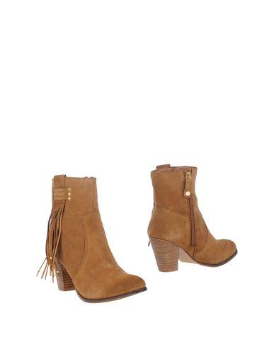 Фото - Полусапоги и высокие ботинки цвет верблюжий