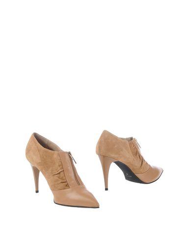 Ботинки от STELE