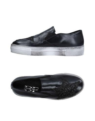 DIVINE FOLLIE Низкие кеды и кроссовки