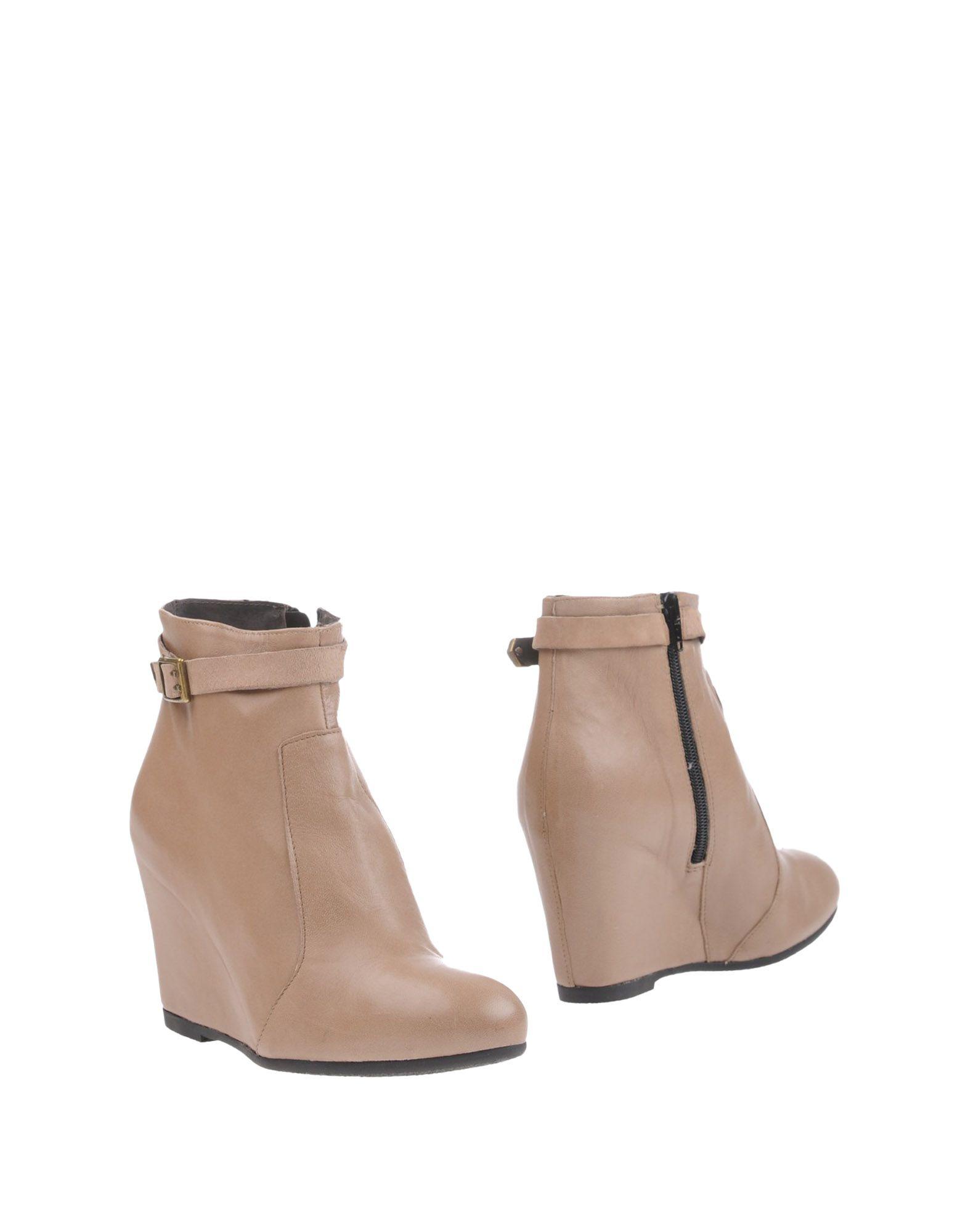 PAOLA FERRI Полусапоги и высокие ботинки mantra paola 3532