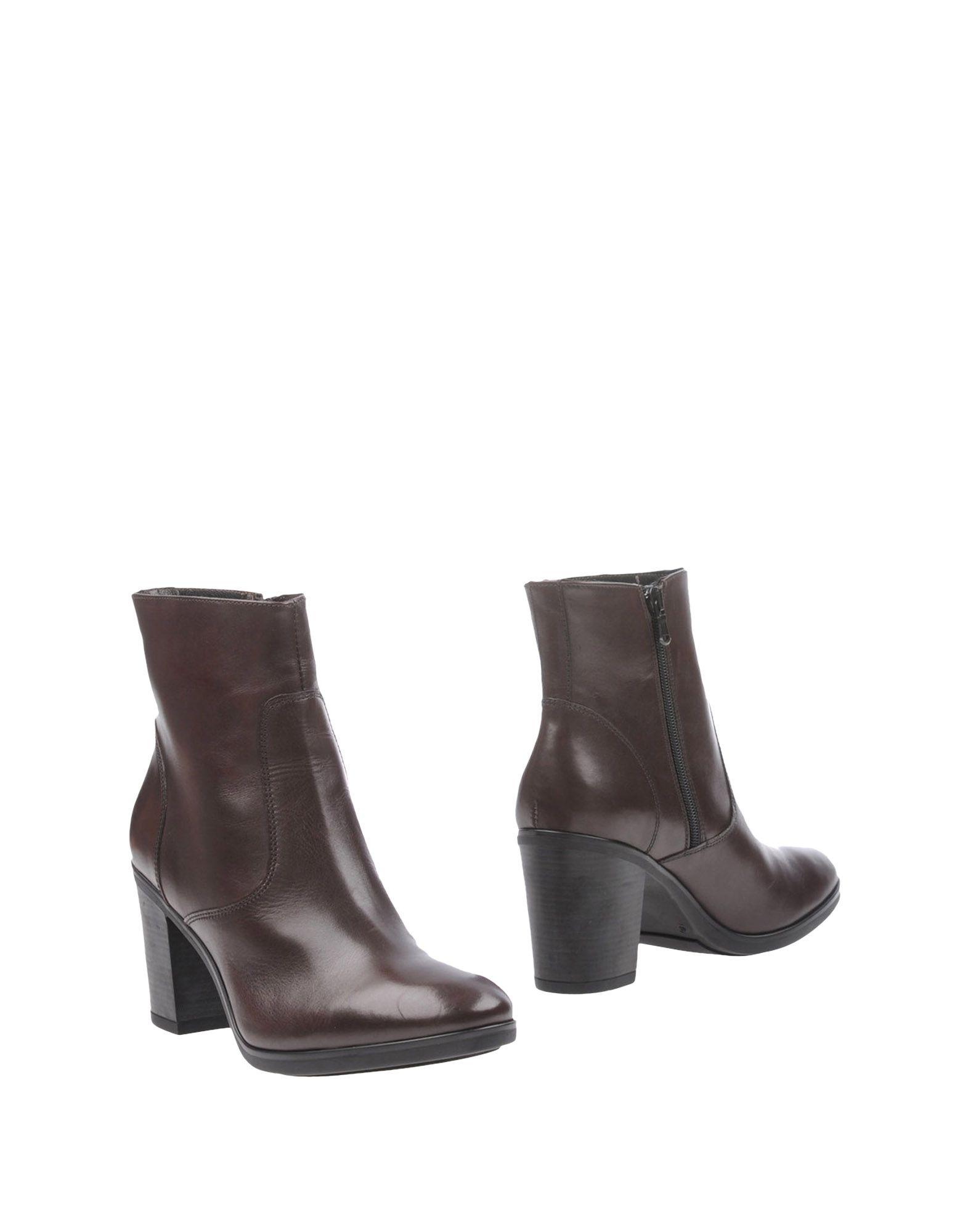 MFW COLLECTION Полусапоги и высокие ботинки цены онлайн