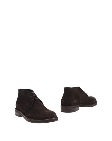 Полусапоги и высокие ботинки от MARC EDELSON