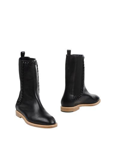 Полусапоги и высокие ботинки от MAIYET
