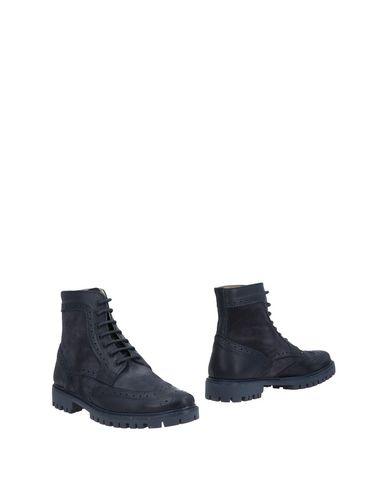 Полусапоги и высокие ботинки от BAGE