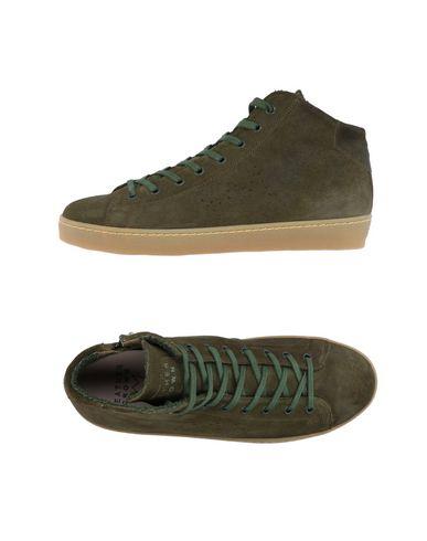 Фото - Высокие кеды и кроссовки от LEATHER CROWN цвет зеленый-милитари