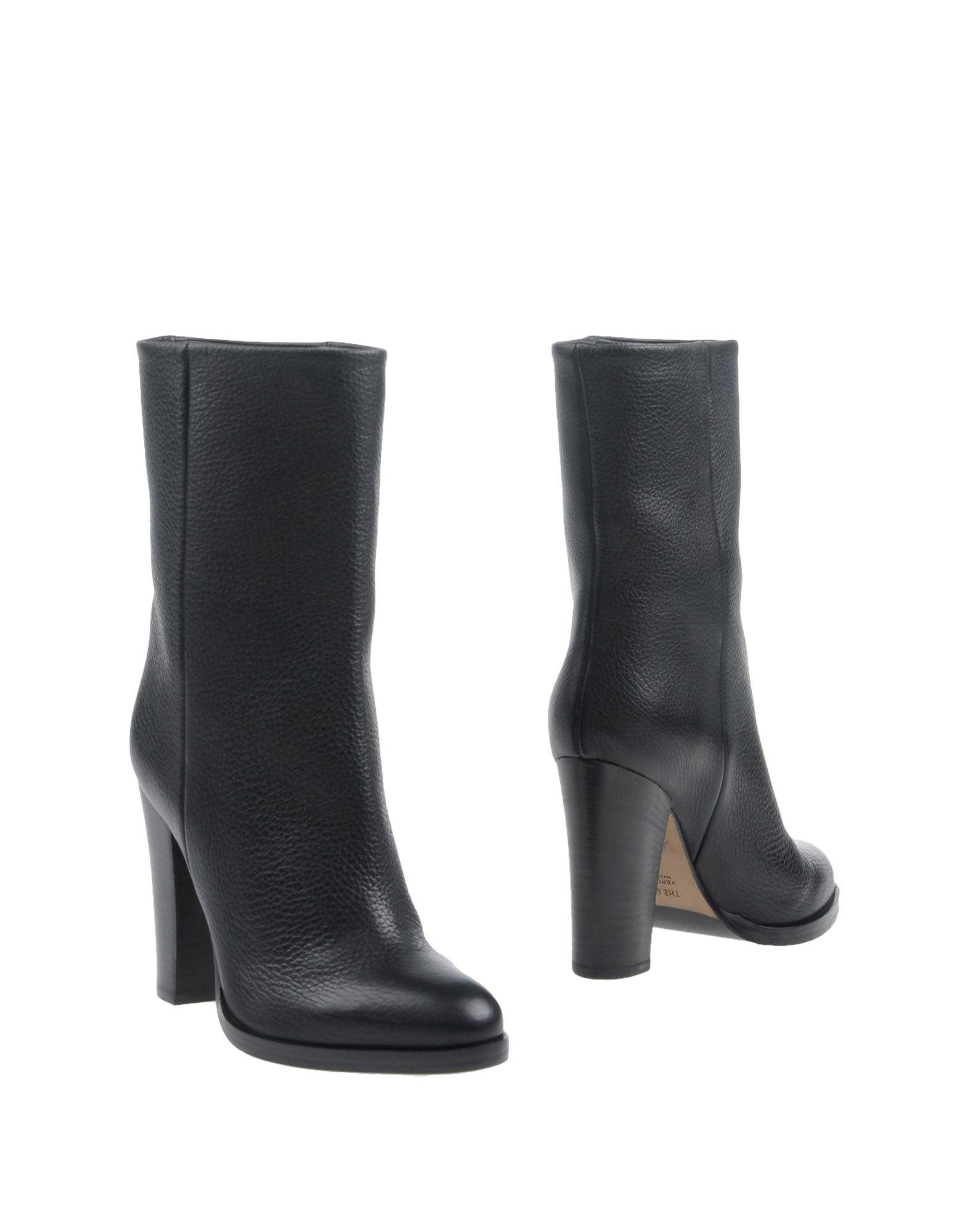 THE SELLER Полусапоги и высокие ботинки