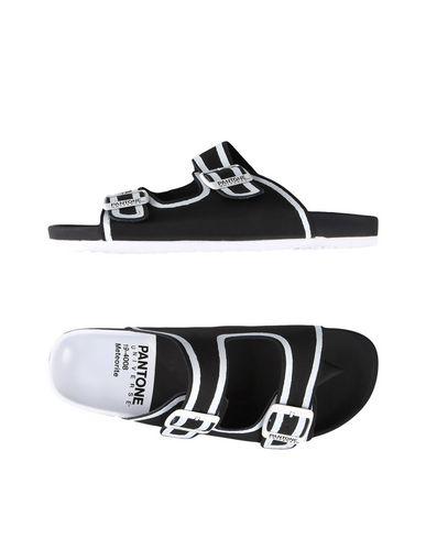 Сандалии от PANTONE UNIVERSE FOOTWEAR