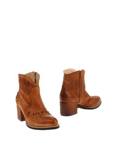 Полусапоги и высокие ботинки от CHIARINI BOLOGNA