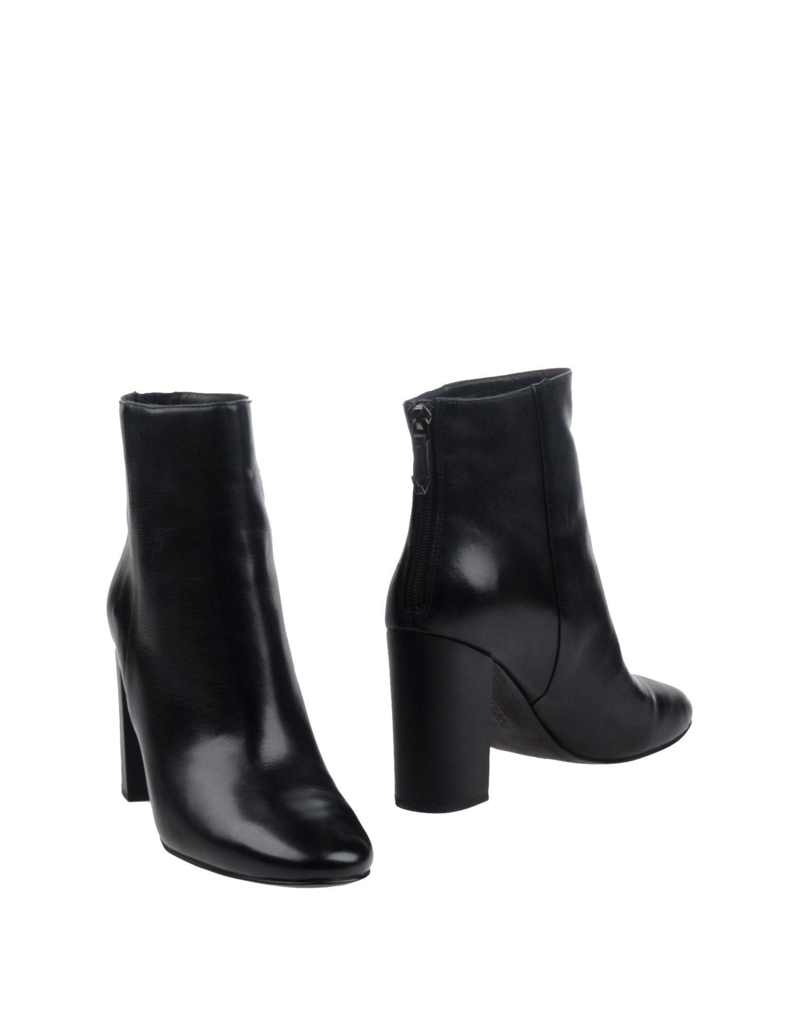 Фотография WHAT FOR Полусапоги и высокие ботинки