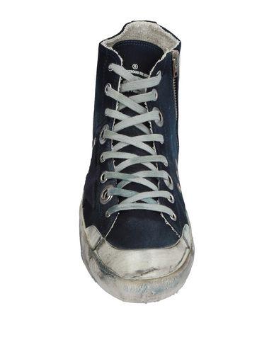 Фото 2 - Высокие кеды и кроссовки темно-синего цвета