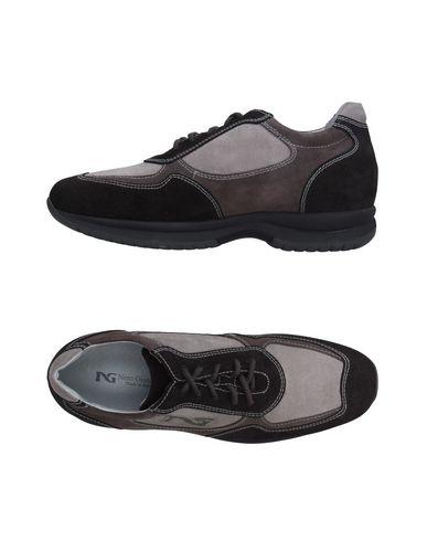 Низкие кеды и кроссовки NERO GIARDINI 11242966NF