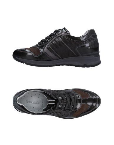 Низкие кеды и кроссовки NERO GIARDINI 11242995BA