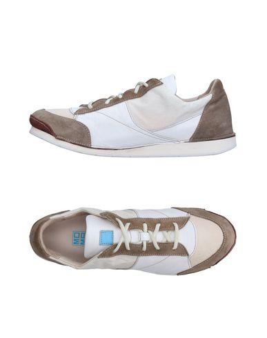Низкие кеды и кроссовки MOMA 11243848ML