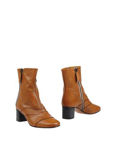 Полусапоги и высокие ботинки от CHLOÉ