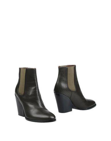 Полусапоги и высокие ботинки от A.F.VANDEVORST