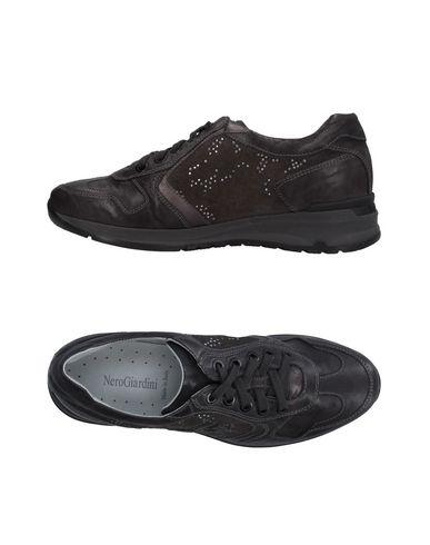 Низкие кеды и кроссовки NERO GIARDINI 11246566RM