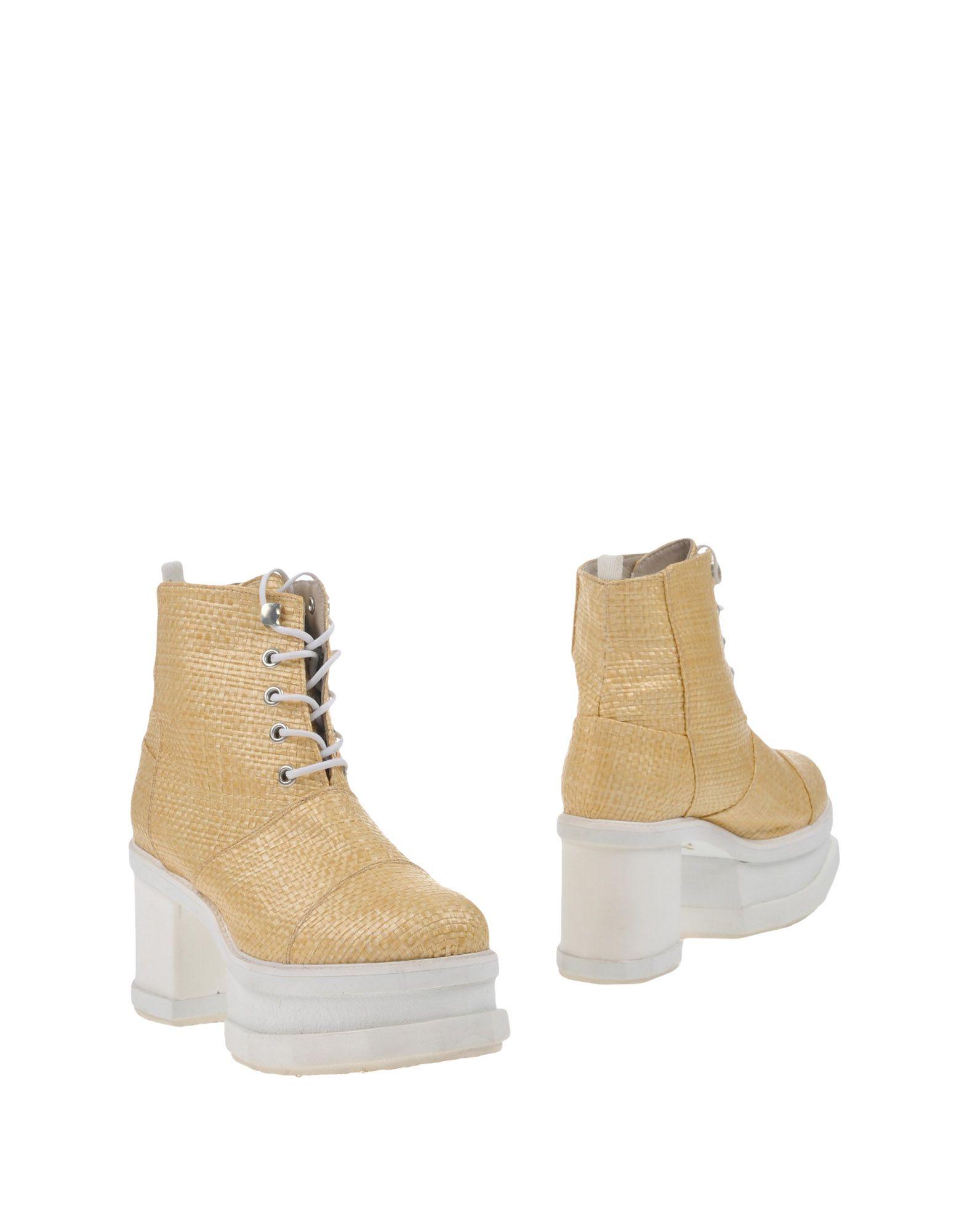 цены на FAREWELL  FOOTWEAR Полусапоги и высокие ботинки в интернет-магазинах