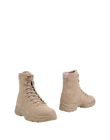 Полусапоги и высокие ботинки JORDAN 11247070AQ