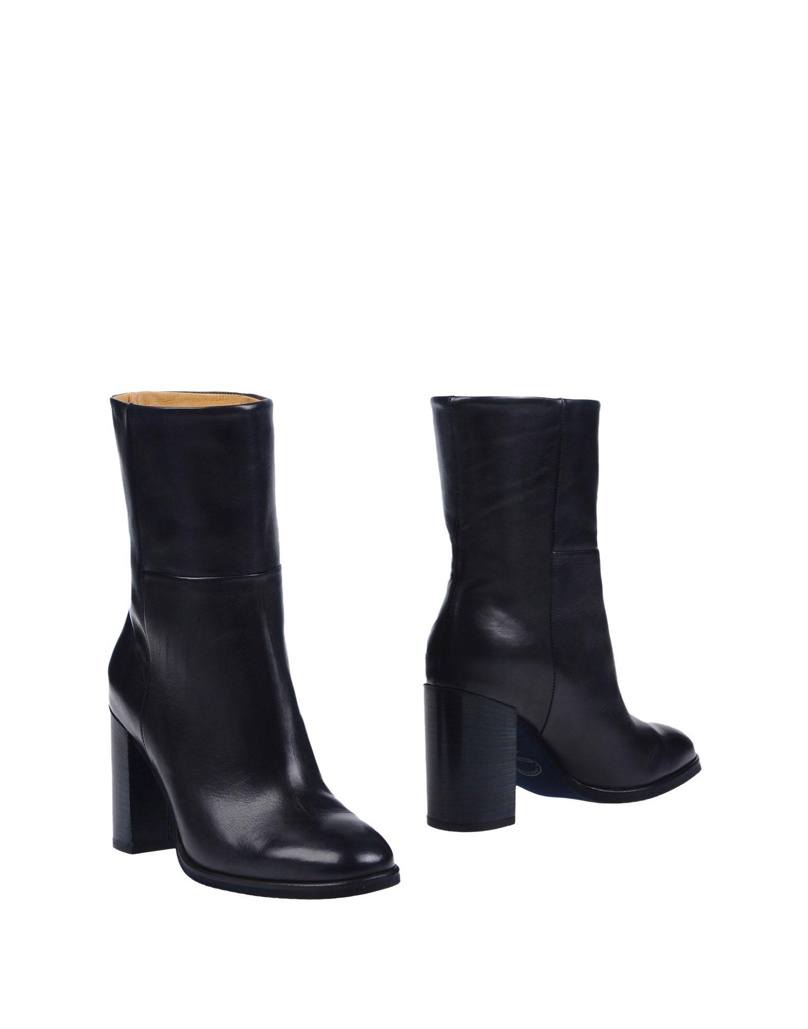 PF16 Полусапоги и высокие ботинки pf16 полусапоги и высокие ботинки