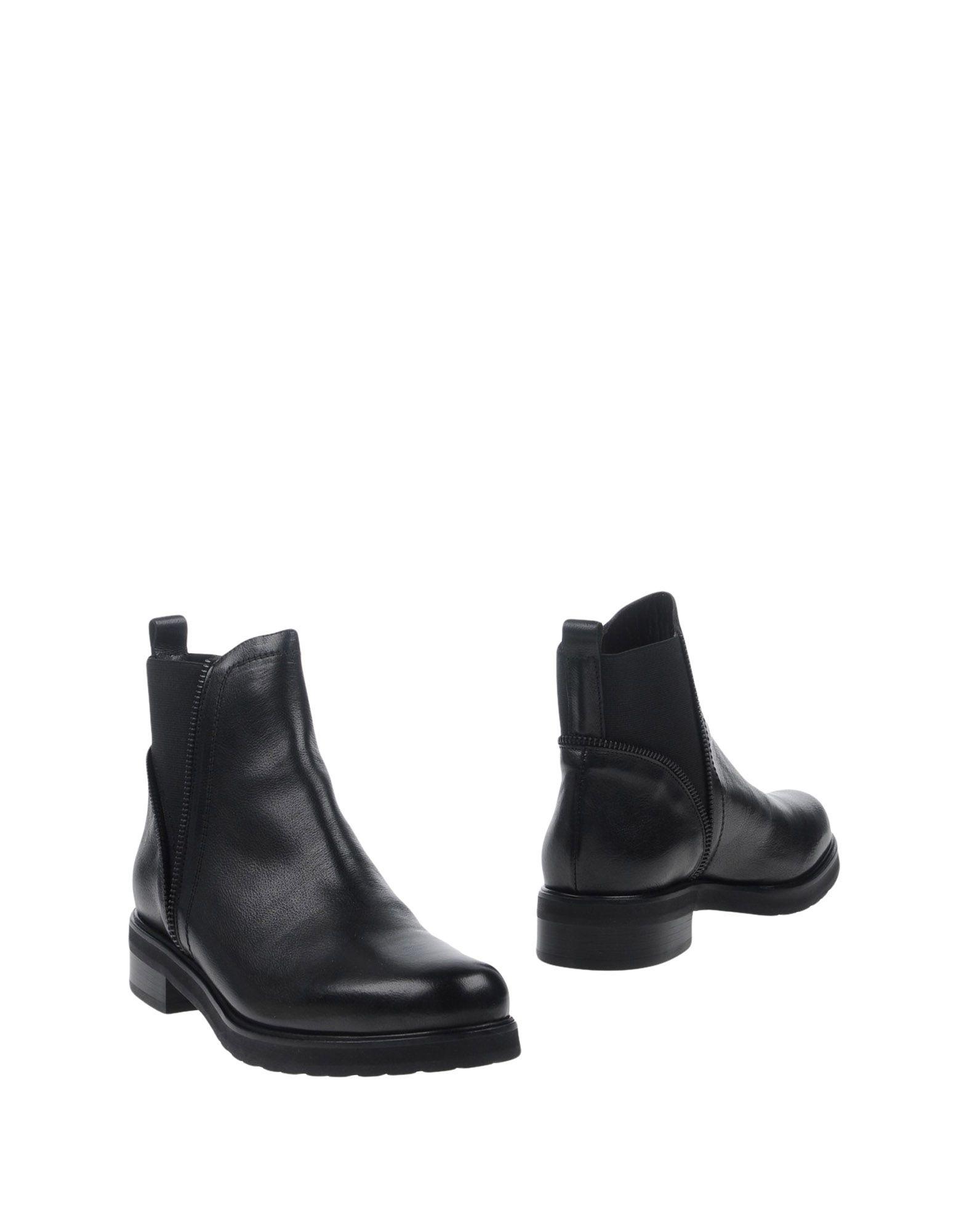 где купить  LAURA BELLARIVA Полусапоги и высокие ботинки  по лучшей цене