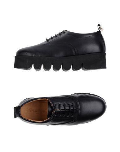 14ème ARRONDISSEMENT Chaussures à lacets femme