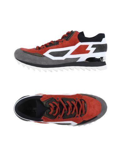 Фото - Низкие кеды и кроссовки кирпично-красного цвета