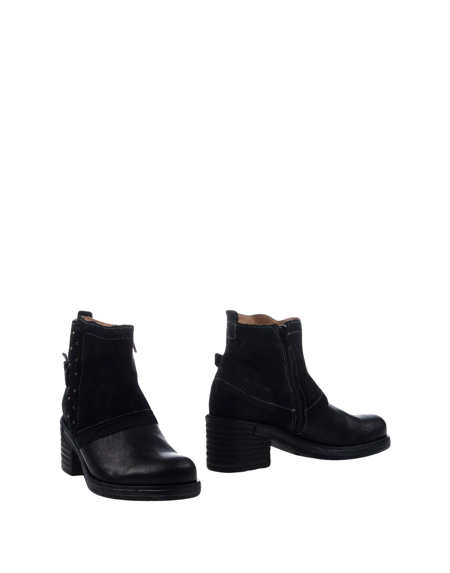 CLOCHARME Полусапоги и высокие ботинки цены онлайн