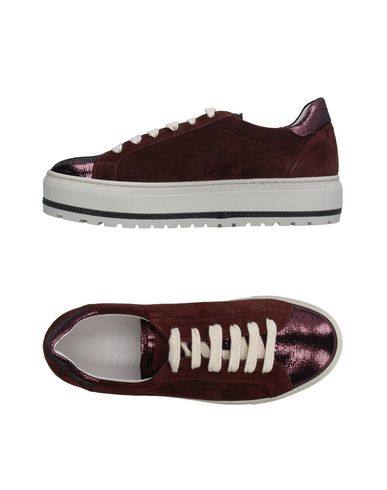 BRUNELLO CUCINELLI FOOTWEAR Low-tops & sneakers Women