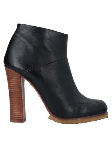 Полусапоги и высокие ботинки от BALTARINI