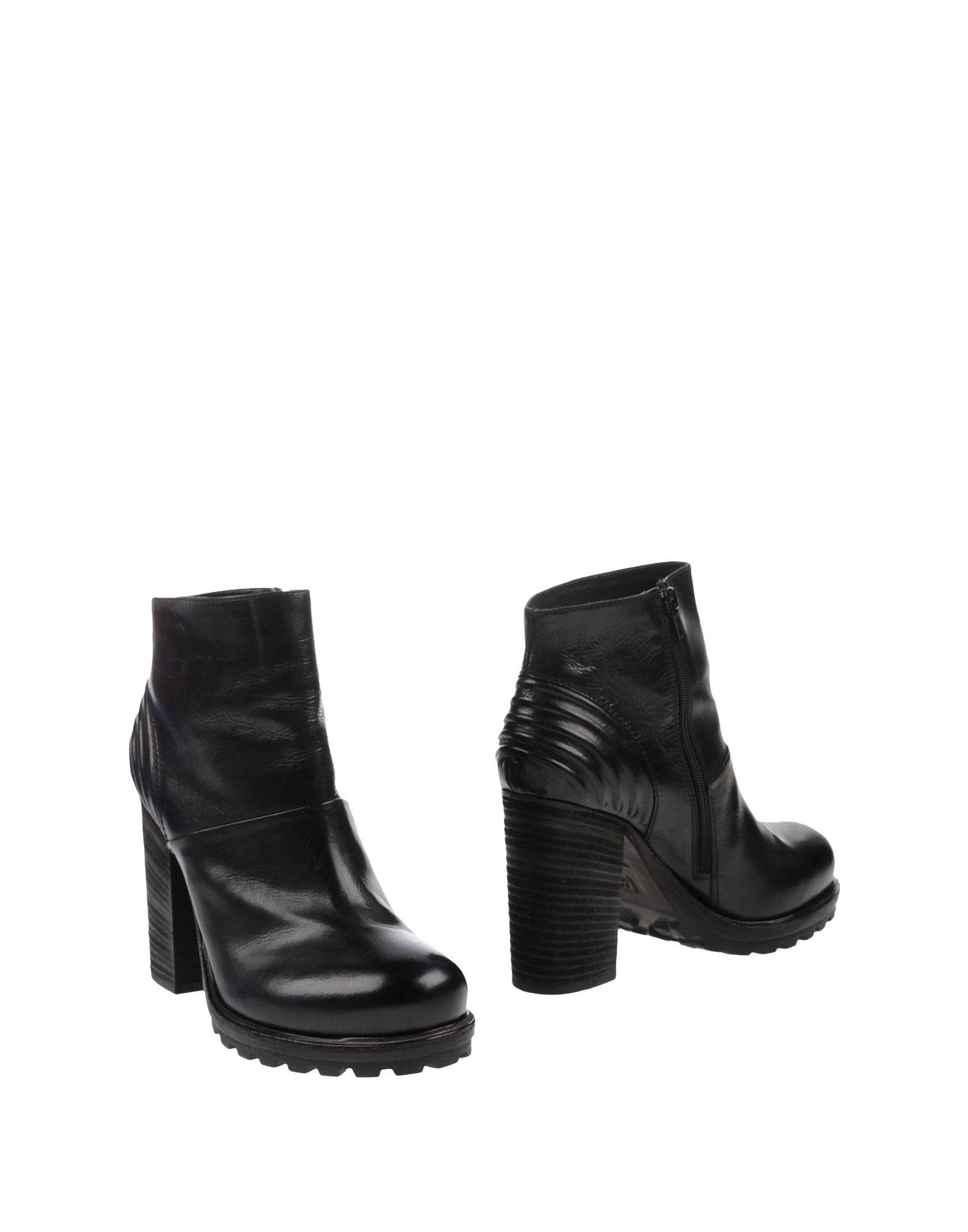VIC Полусапоги и высокие ботинки kudeta полусапоги и высокие ботинки