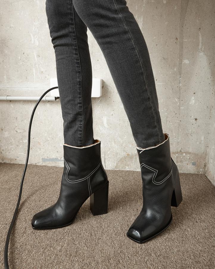 Saint Laurent Jodie Leather Booties oK1rdL5