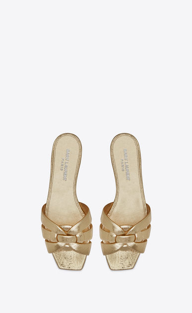 SAINT LAURENT Nu pieds D NU PIEDS 05 Sandal in Pale Gold Cracked Metallic Leather b_V4