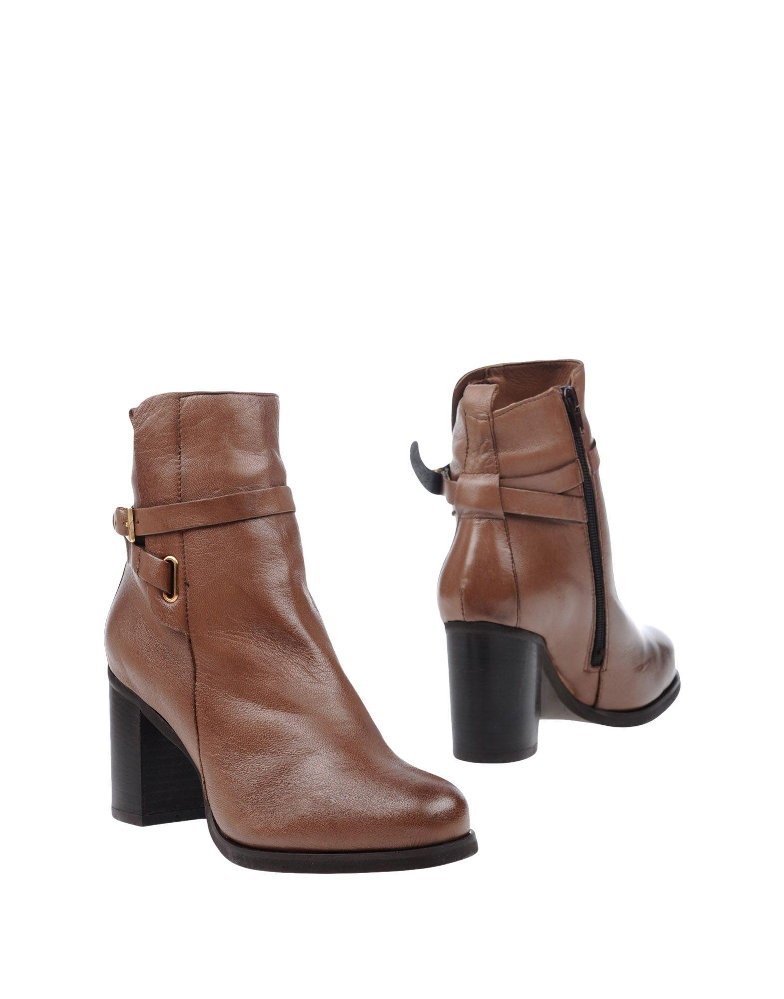NILA & NILA Полусапоги и высокие ботинки сапоги nila