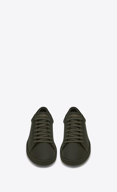 SAINT LAURENT Low Sneakers U Klassischer Signature Court SL/01 Sneaker aus armygrünem Leder  b_V4