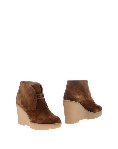 Полусапоги и высокие ботинки REDV