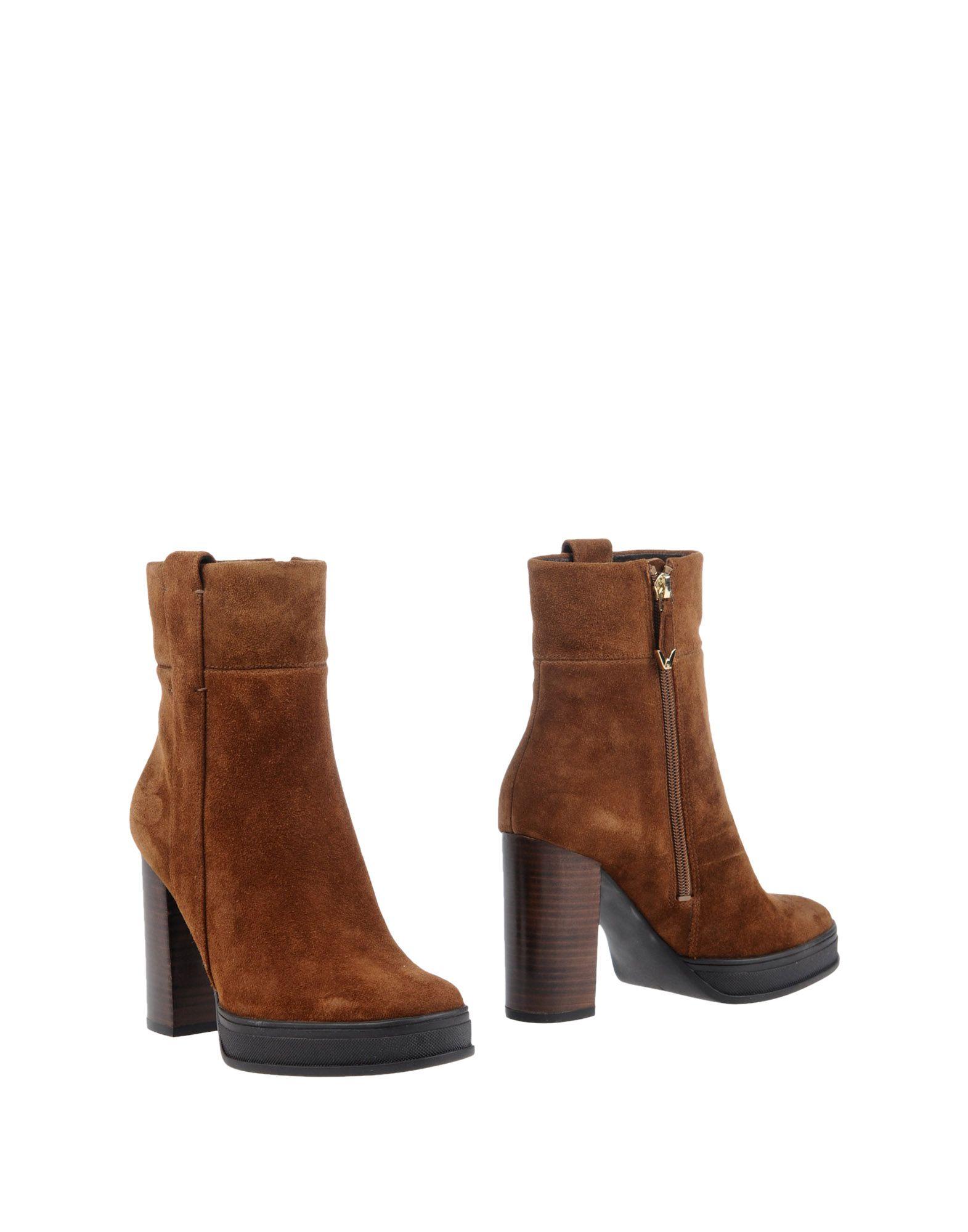 WHAT FOR Полусапоги и высокие ботинки