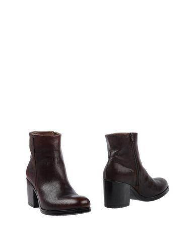 Полусапоги и высокие ботинки от LILIMILL