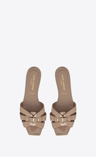 SAINT LAURENT Nu pieds D NU PIEDS 05 Sandal in beige rosé Patent Leather b_V4
