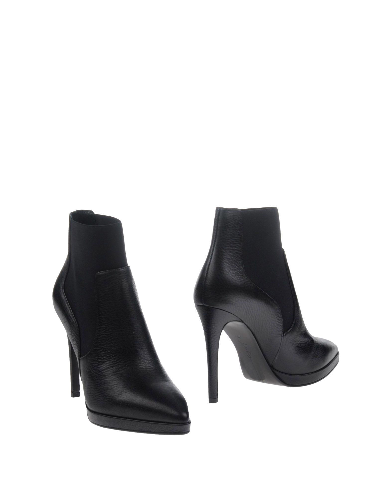 LOLA CRUZ Полусапоги и высокие ботинки catrice контур для глаз kohl kajal 040 white белый 1 1гр