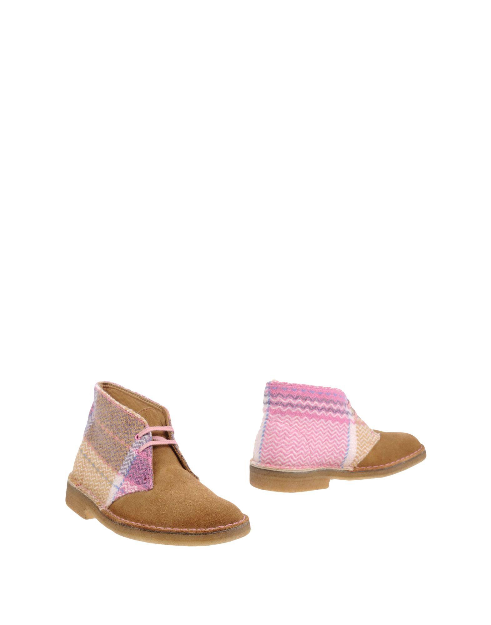 CLARKS ORIGINALS Ankle Boot in Camel