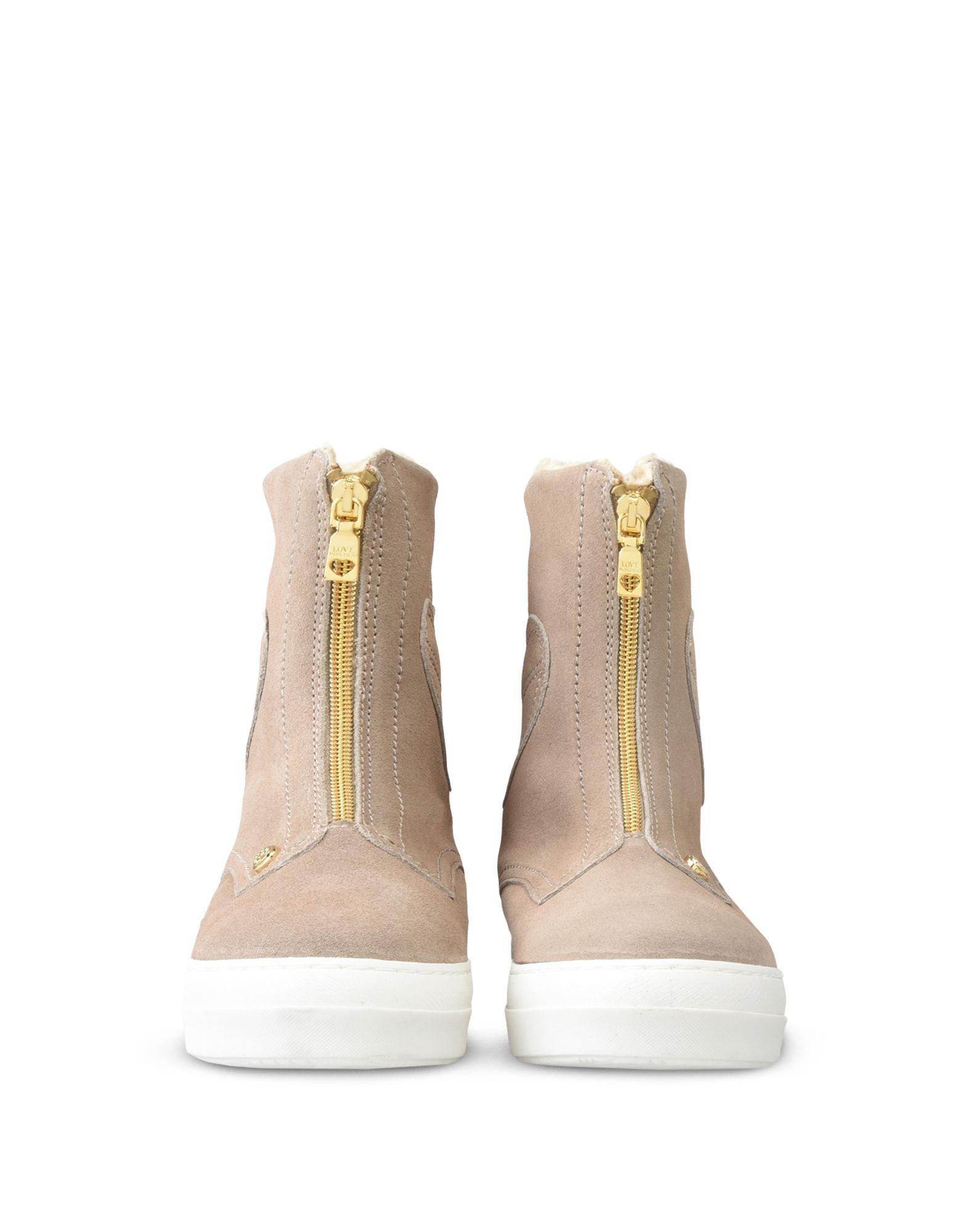 Фотография LOVE MOSCHINO Полусапоги и высокие ботинки
