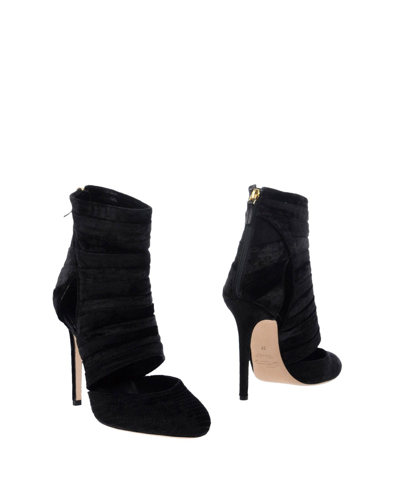 GENNY Полусапоги и высокие ботинки lady genny