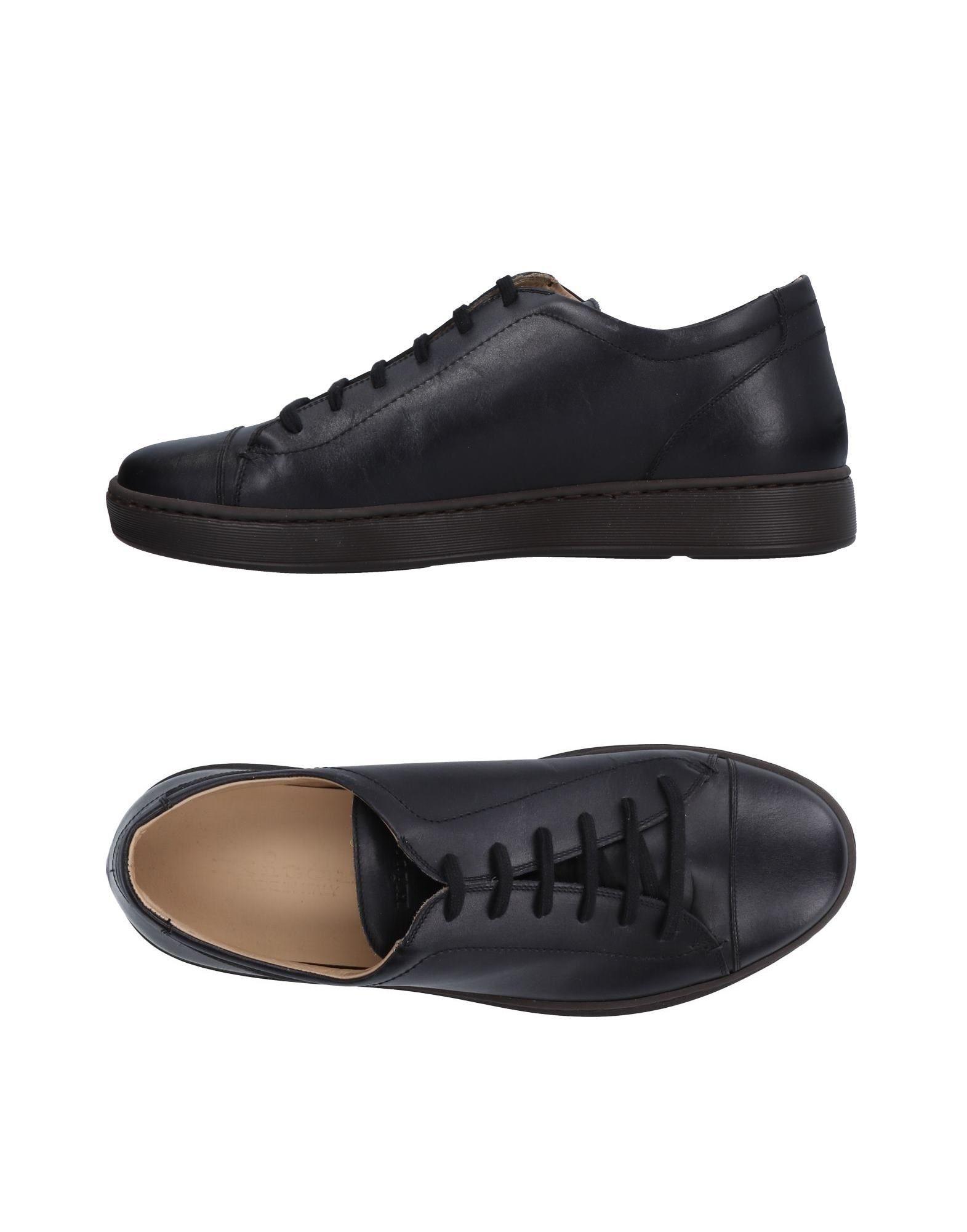 KITON Низкие кеды и кроссовки