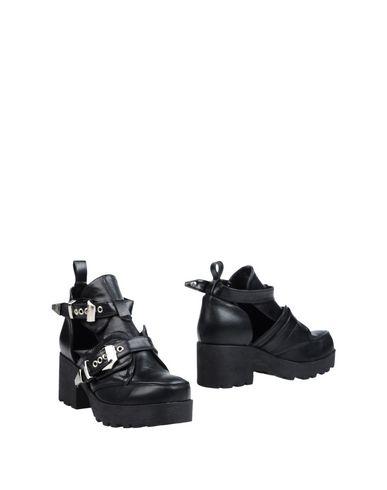 Полусапоги и высокие ботинки от POLICE 883