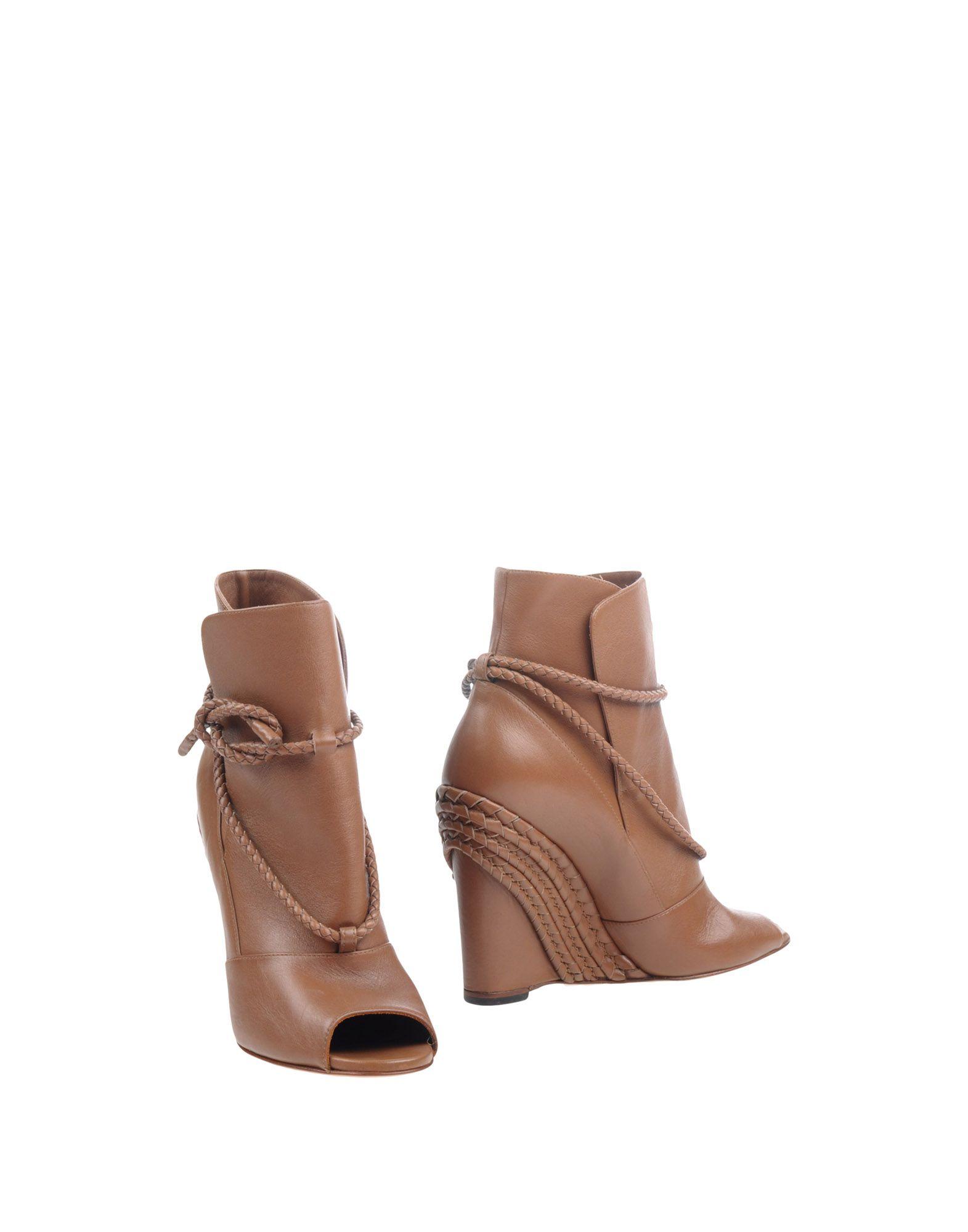 VALENTINO GARAVANI Полусапоги и высокие ботинки valentino кожаные ботинки