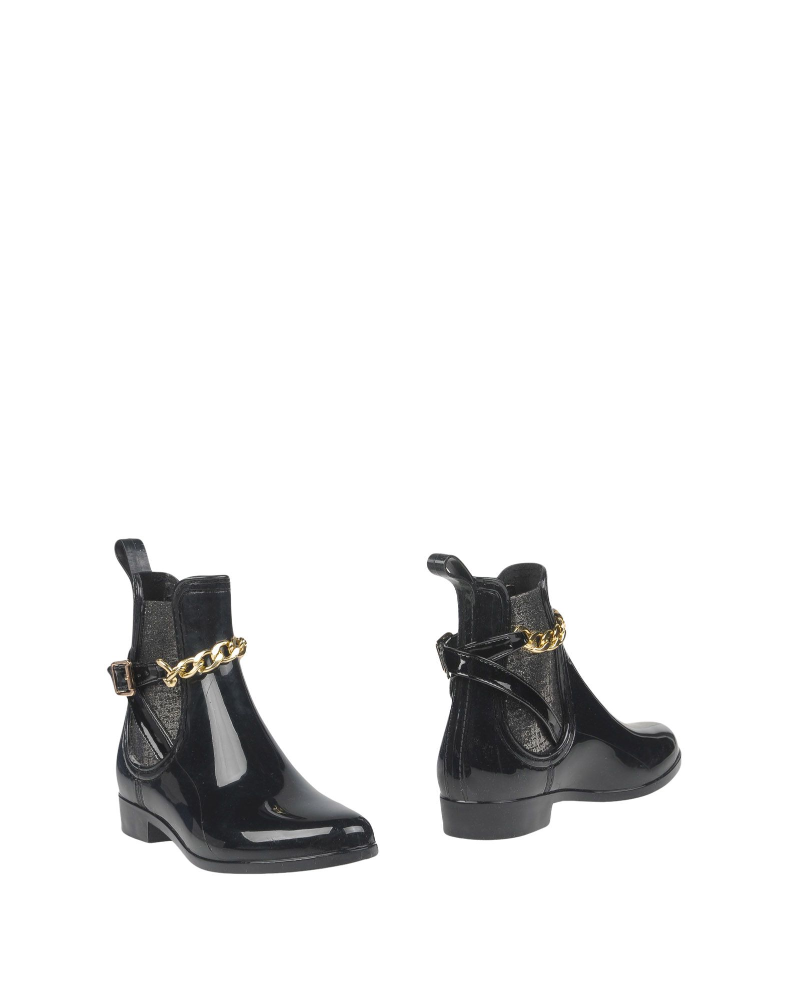 COLORS OF CALIFORNIA Ankle Boot in Black
